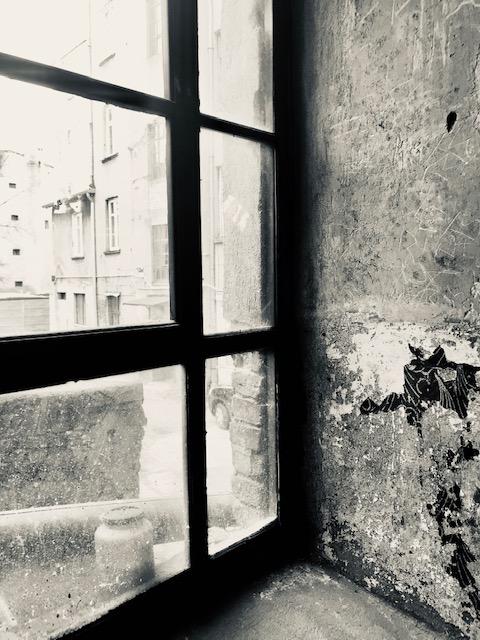 Corner window_Bachelard